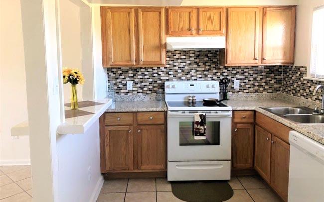 Quail Ridge apartments kitchen photo